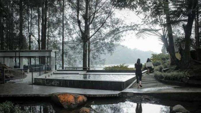 Sensasi Berendam di Kolam dengan View Pegunungan Di Villa Mari Pro