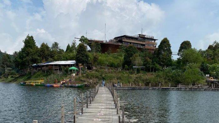 Pinisi Resto Situ Patenggang, Bisa Icip-icip Makan Khas Suku Bugis