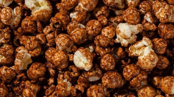 Resep dan Cara Membuat Popcorn Caramel, Camilan Manis Teman Nonton Film