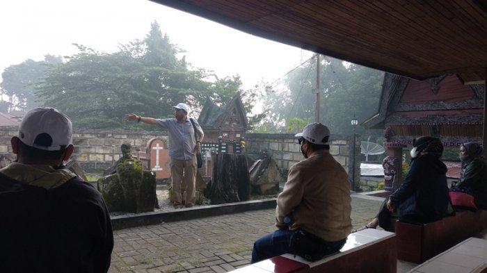 Pandemi Covid-19, Jumlah Pengunjung Makam Tua Raja Sidabutar di Samosir Turun Drastis