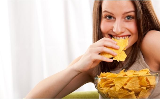 BERIKUT 7 Tips Ngemil Tanpa Takut Gemuk, Kamu Bisa Tetap Makan Tanpa Harus Khawatir Berat Badan Naik