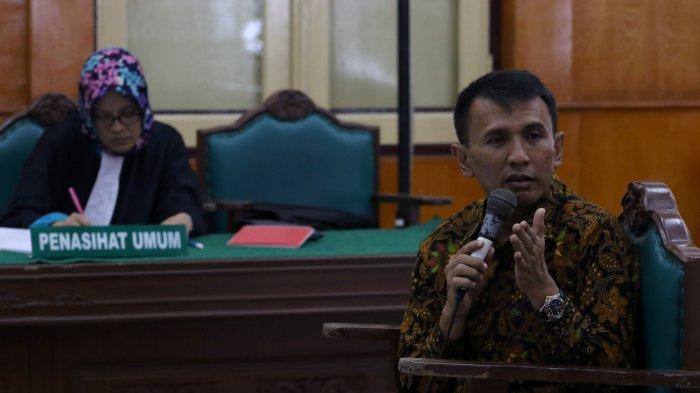 Anggota Dewan Tersangka Penerima Suap dari Mantan Gubernur: Sudahlah, Gak Ada Empati Kalian Kutengok