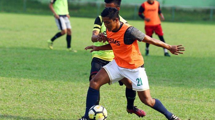 Acuhkan Tawaran Tim Lain, Mantan Pemain Timnas U-19 Berharap Segera Mendapat Kontrak di PSMS Medan
