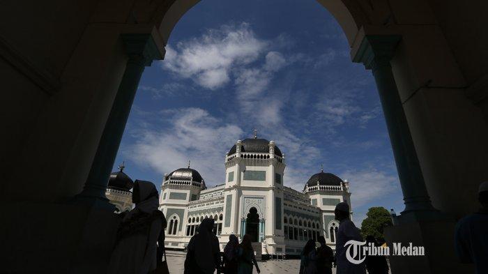 Masjid Raya Al Mashun, Dibangun Tahun 1906, Arsitektur Perpaduan dari Tiga Negara