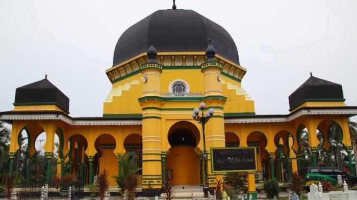 Masjid Raya Al Osmani, di Jalan KL Yos Sudarso, Km, 19,5, Labuhan, Kelurahan Pekan Labuhan, Kecamatan Medan Labuhan, Kota Medan, hari Kamis (28/2/2019).