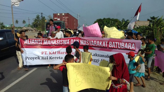 Massa Tuntut Janji Ganti Untung Pembebasan Lahan Proyek Rel Bandartinggi-Kualatanjung