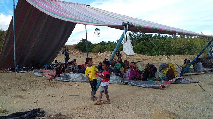 Protes Aktivitas Tambang Dolok Sipalakki,Warga Desa Sait Nihuta Pilih Tidur di Lokasi