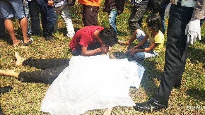 Anaknya Temukan Mayat Kalinus Zai di Pinggir Jalan, Ternyata Ditipu Penjahat Menyamar