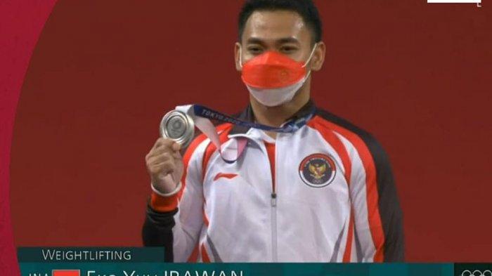 Lifter Eko Yulianto Irawan merebut medali perak di kelas 61 putra Olimpiade 2020