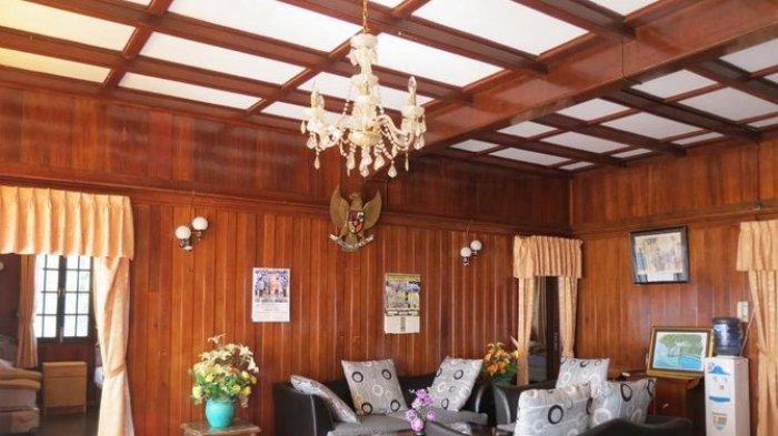 Penampakan ruang tamu rumah pesanggrahan Bung Karno di Parapat.