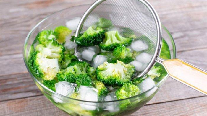 Cara Merebus Brokoli yang Benar agar Tidak Benyek dan Menghitam