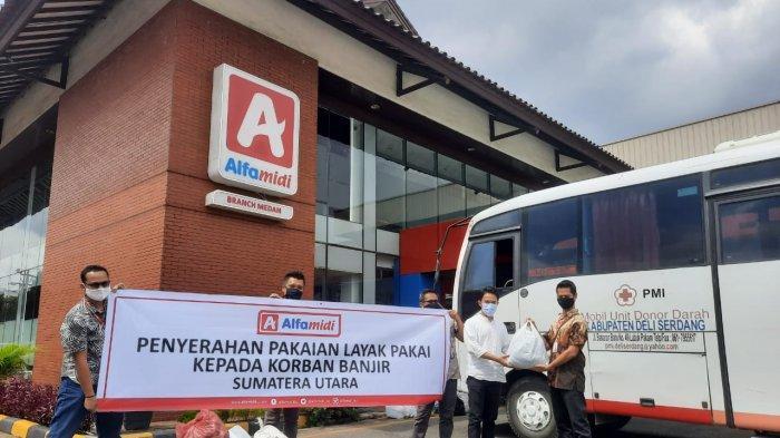 PT. Midi Utama Indonesia Tbk atau Alfamidi bekerja sama dengan UPT PMI Deli Serdang mengadakan kegiatan donor darah dan juga memberikan sejumlah donasi untuk korban bencana banjir yang melanda sebagian kota Medan dan Kab. Deli Serdang beberapa hari lalu di kantor cabang Alfamidi Medan , Senin (14/12/2020).
