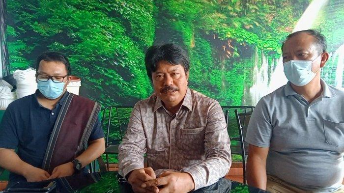 Sejumlah Pelayat Mendatangi Rumah Duka Anggota DPRD Siantar Alex Panjaitan