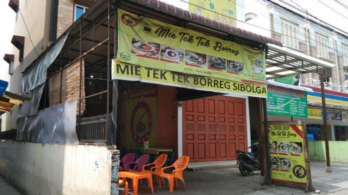 Menikmati Kelezatan Mie Tek Tek Khas Sibolga di Medan