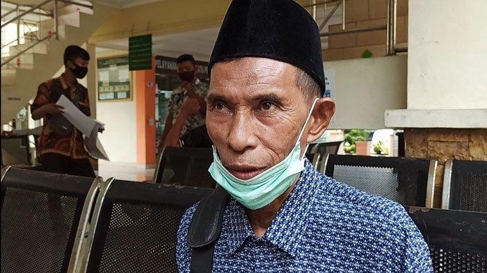 Mislan bin Mhd Said digugat oleh anaknya di Pengadilan Negeri (PN) Kisaran karena menjual rumah.