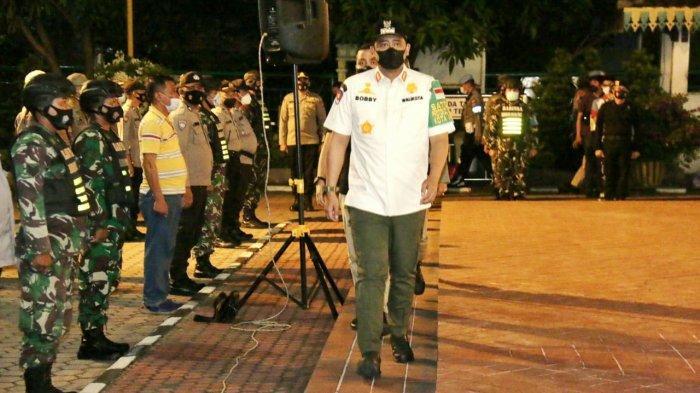 Pimpin Apel Patroli PPKM Mikro, Bobby Nasution Ingatkan Petugas Bersikap Humanis Namun Tetap Tegas