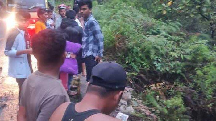 Mobil Diduga Masuk Jurang di Sipintupintu, Tembok Pembatas Rusak seperti Ditabrak