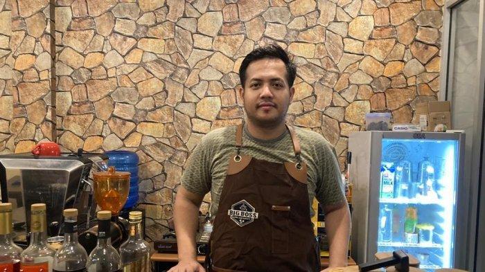 Sosok Muhammad Fakhri, Lepaskan Pekerjaan Sebagai Dosen Demi Tekuni Bisnis Coffee Shop