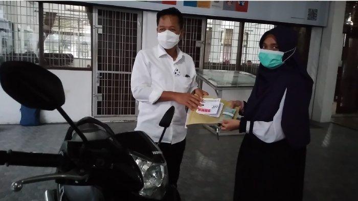 Mahasiswa USU Kayuh Sepeda Viral di Media Sosial, Hamba Allah Beri Hadiah Sepeda Motor Usai Sidang