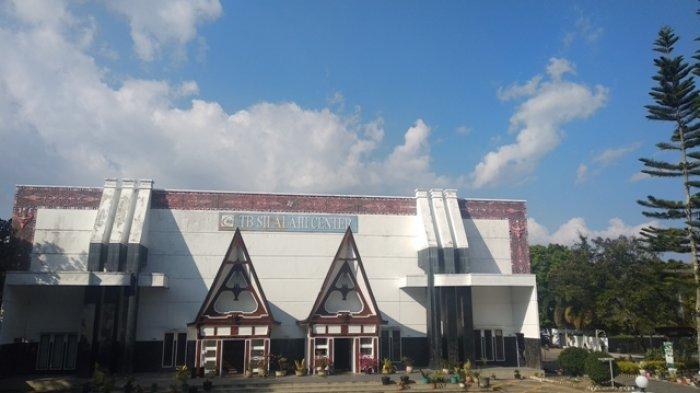 Menikmati Pemandangan Danau Toba dari Museum TB Silalahi Center