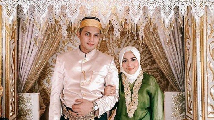 Muzdalifah dan Fadel Islami tampil serasi dan menawan.