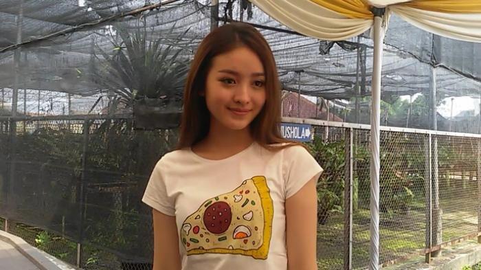Natasha Wilona saat ditemui di Taman Anggrek Indonesia, Jakarta Timur, Kamis (20/10/2016). (Tribunnews.com/Apfia Tioconny Billy)