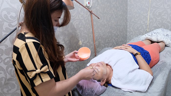 Perawatan Kecantikan dari Ujung Kaki hingga Kepala di Candy Salon and Spa