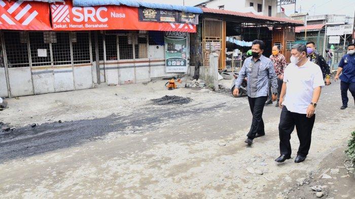 Wabup Deli Serdang Ali Yusuf Siregar Tinjau Perbaikan Jalan di Kecamatan Sunggal