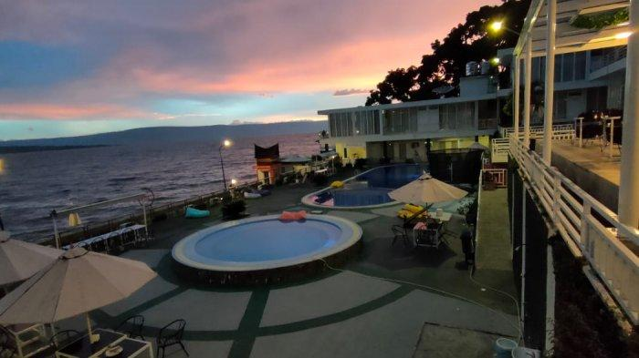 Nuansa keindahan matahari tenggelam di hotel My Nasha Hotel, yang beralamat di Desa Tigaras, Kecamatan Dolok Pardamean, Kabupaten Simalungun.