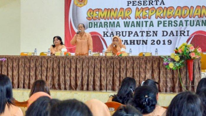 Istri Bupati Dairi Ny Dumasi Johnny Sitohang Ingatkan Jangan jadi Pengkhianat
