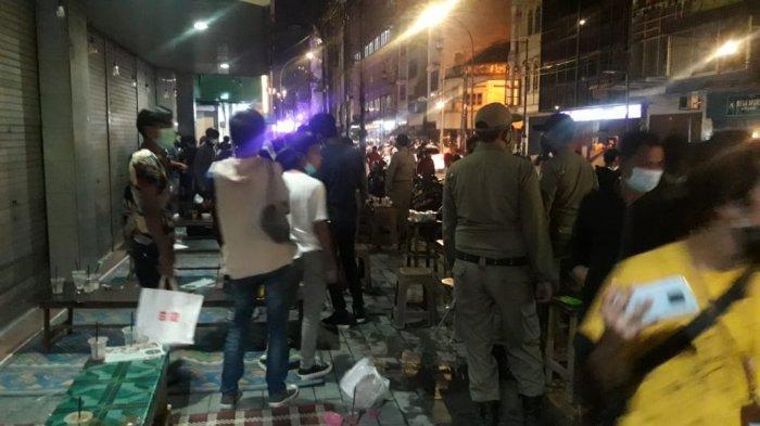 Pembatasan Kegiatan di Tempat Keramaian, Petugas Polsek Medan Barat Lakukan Operasi Yustisi