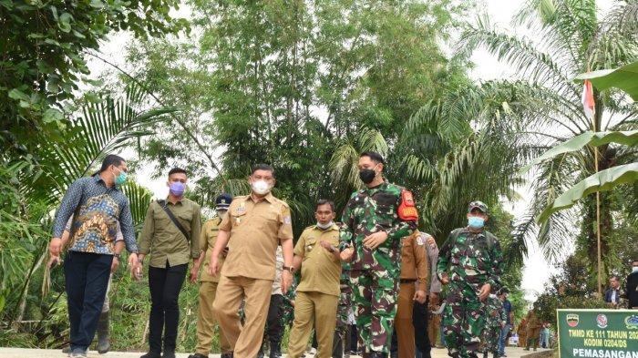 Wabup Deli Serdang Bersama Dandim 0204/DS Tinjau Lokasi TMMD ke-111 di Desa Mabar