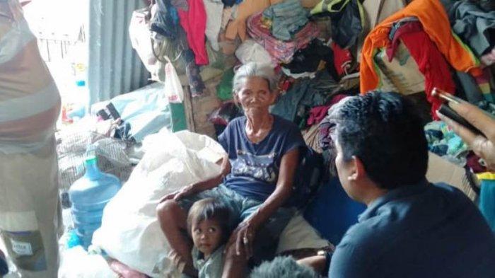 Nenek 80 Tahun Lolina Tetap Memulung Demi Anak dan Cucu, Sehari Dapat Rp20 Ribu