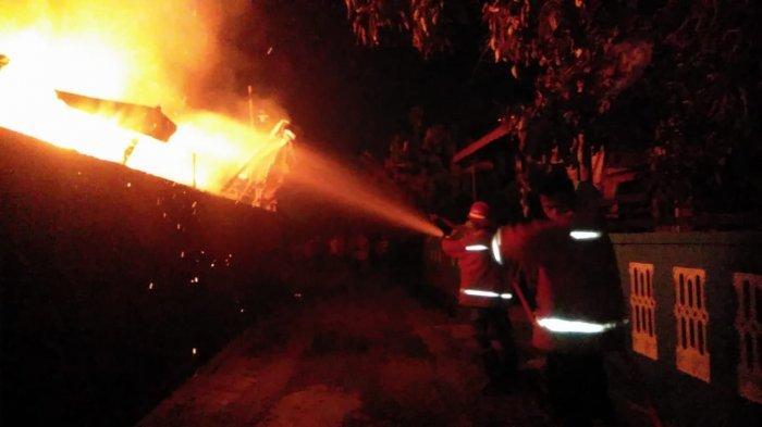 Pabrik Kerupuk Masto Ludes Terbakar Rata dengan Tanah