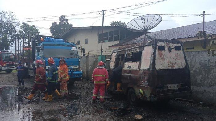 15 Tahun Tak Bisa Jalan, Minibus Perpustakaan Pemkab Simalungun Terbakar di Bengkel