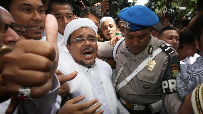 Ramai-ramai Mengawal Pak Habib