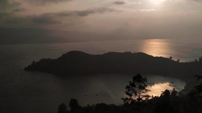 Wisata Tanjung Unta, Suguhkan Senja yang Mempesona dengan Pemandangan Danau Toba