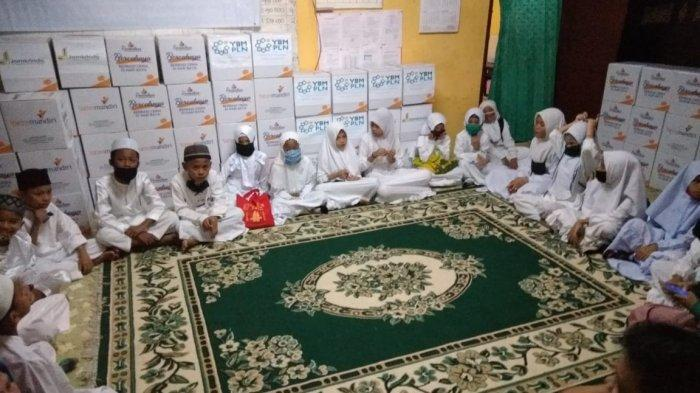 Bakti Sosial di Bulan Ramadan, Panther Mania Kota Medan Santuni Anak Yatim