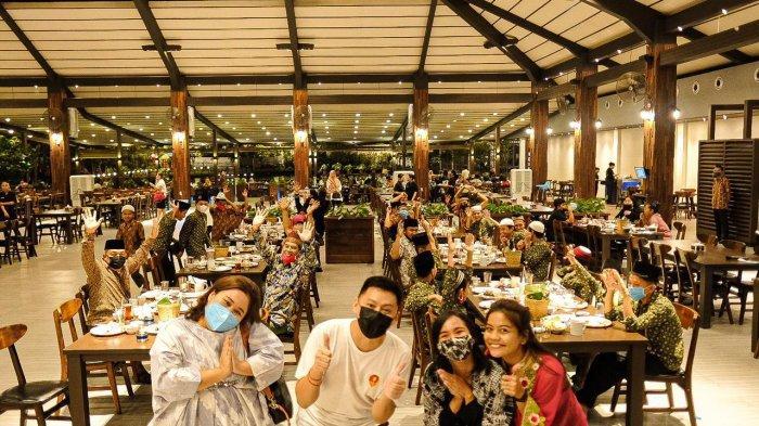 Kegembiraan Anak Panti Asuhan saat Buka Bersama di Restoran Kembang