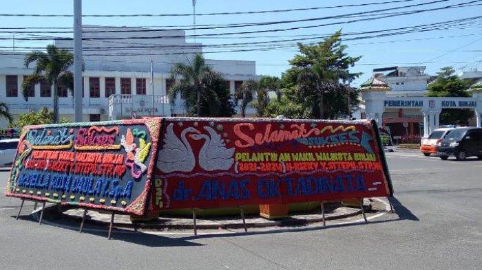 Gagal Dilantik, Papan Bunga untuk Wakil Wali Kota Binjai Bertebaran di Balai Kota