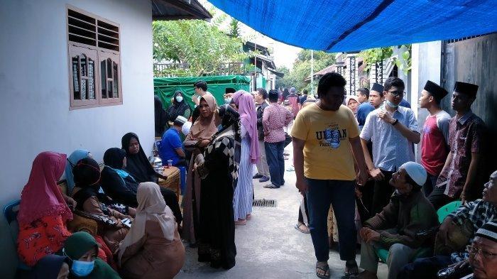 Rumah Duka Korban Kecelakaan di Pabatu Dipadati Pelayat di Dusun IX Desa Lautdendang