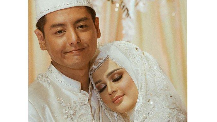 Pasangan artis seni peran Roger Danuarta dan Cut Meyriska, yang baru saja melangsungkan Ijab Kabul di Medan.