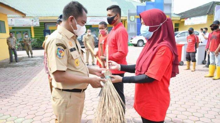 Bupati Sergai Bentuk Pasukan Merah untuk Jaga Kebersihan Lingkungan, Serap Tenaga Kerja Baru