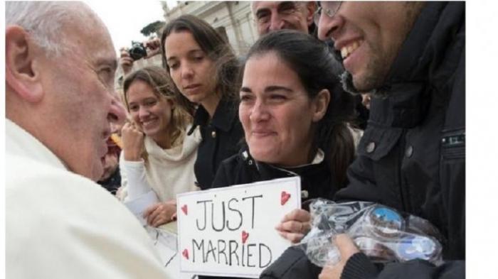 Perubahan Iklim Global, Ini Pesan Paus Fransiskus ke Manusia - paus-fransiskus-menyalami-pasangan-tribunm-edan_20160408_215310.jpg