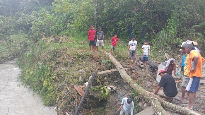 Pipa PDAM Hanyut, Warga Kecamatan Panei Potong Bongkahan Kayu hingga Tampung Air Hujan