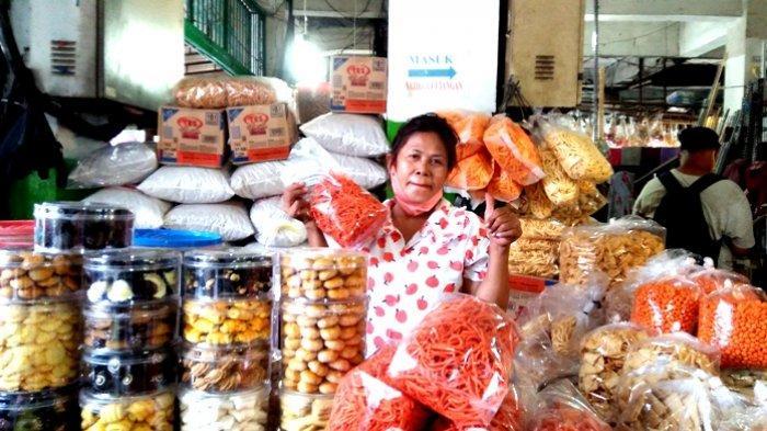 Jelang Lebaran Pedagang Kue Kering Banjiri Pusat Pasar Medan, Kue Loyang Langka