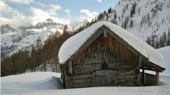 Rumah tempat tinggal Marcel