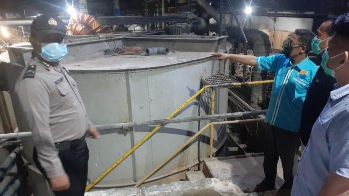 Seorang Pekerja Tewas di Dalam Tangki Pengolahan Bahan Baku Karton, Polisi Turun ke Lokasi