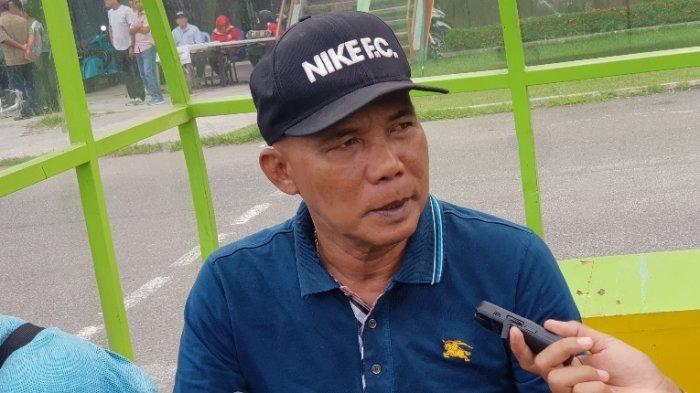 Selama Libur Lebaran, Tim Sepakbola Sumut untuk PON Papua Dapat PR dari Suharto AD