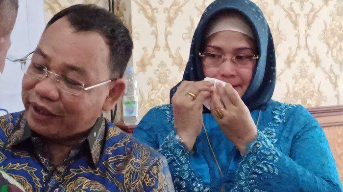 Idaham Berkaca-kaca Lepas Jabatan Wali Kota Binjai, Sang Istri Lisa Andriani Lubis Menangis
